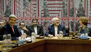 les-chefs-de-la-diplomatie-americaine-john-kerry-iranienne-mohammad-javad-zarif-et-europeenne-catherine-ashton-le-26-septembre-2013-a-new-york-lors-d-une-reunion-sur-le-nucleaire-iranien_4061981